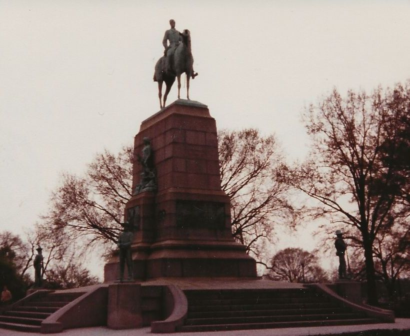Richmond Statue cropped